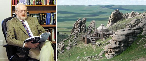 Слева профессор Лопатников в своем кабинете в США. Вот там у него на полке две синие книги, это китайские стратагемы Харро фон Зенгера, что говорит о большой искушенности в осьминжьих делах. А ядерную войну профессор собирается переждать в юрте, которую он прикупил в Монголии (фото справа)