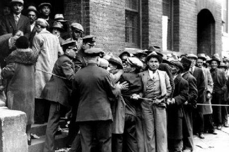 Черная пятница. 24.10.1929 в США начался экономический кризис, повлекший за собой мировой экономический коллапс