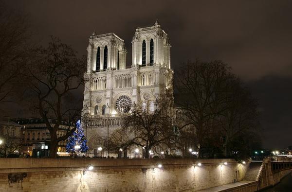 Собор Notre Dame в Париже