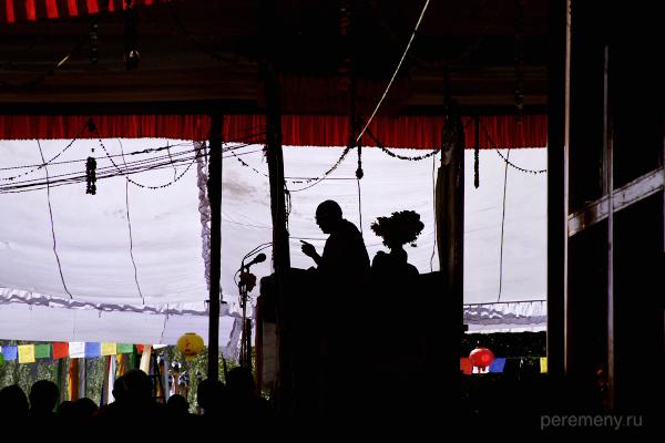 Далай Лама XIV выступает перед буддийской паствой в Ладакхе (Северная Индия), сентябрь 2007 года, фото: Глеб Давыдов
