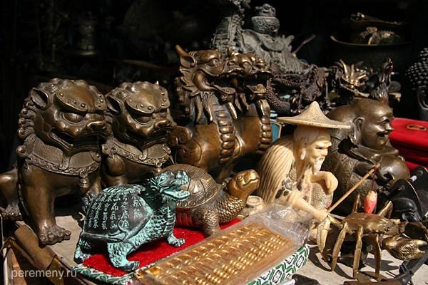 Черепахи, драконы, львы и святые. Фото Глеба Давыдова