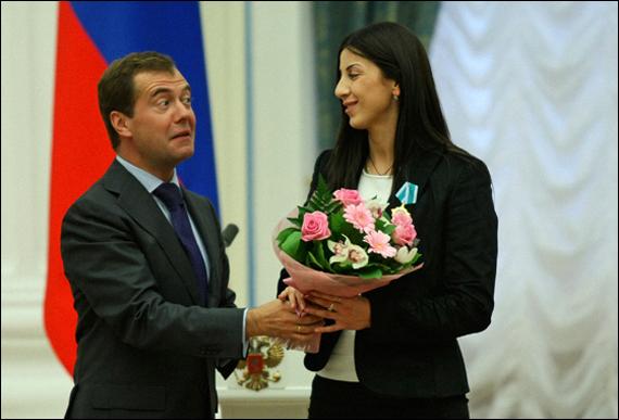 Президент Медведев вручает государственные награды