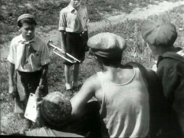 Кадр из фильма Тимур и его команда