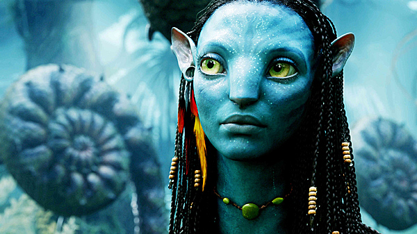 Нейтири (Зои Салдана), принцесса племени аборигенов Пандоры, которая берется за обучение Джейка своим обычаям. И у них, естественно начинается роман. Ну, в общем, где-то приблизительно так представляют себе американцы и русских. Конечно, не внешность (они видели Путина по телевизору), но - внутренний мир