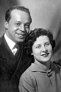 Тимур Аркадьевич Гайдар и его жена Ариадна Павловна (Бажова)