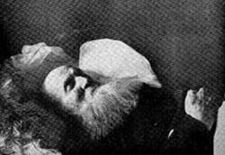 Петр Кропоткин в гробу