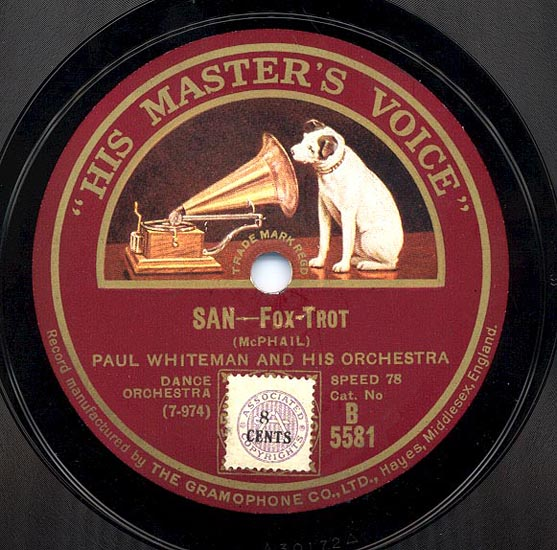 Слова His Master's Voice и картинка с собакой, слушающей граммофон, стала с 1900 года украшать каждую пластинку фирмы Gramophone, а затем - EMI, являясь трейдмарком и знаком качества