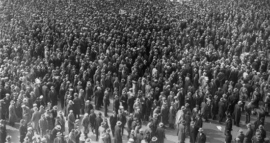 Атомизированная толпа граждан города Лондона