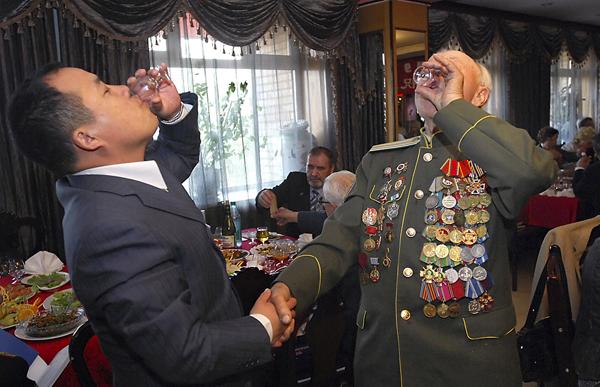 Русский с китайцем