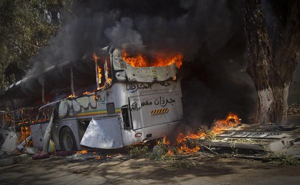 Разбомбленный автобус