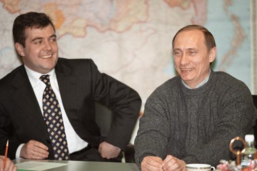 Дмитрий Медведев и Владимир Путин 27 марта 2000 года, на второй день после победы Путина на президентских выборах
