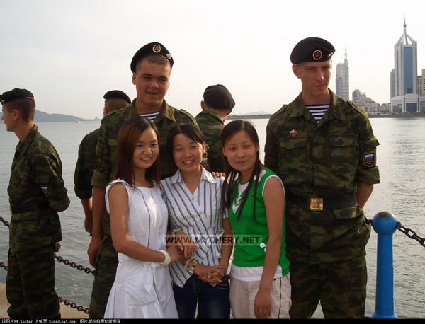 Китайские девушки, русские парни