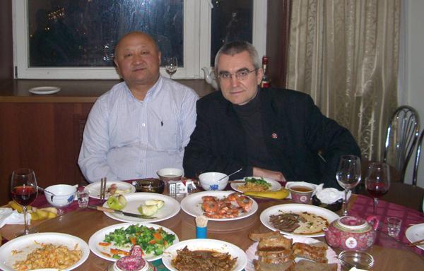 Генеральный директор ООО «SINOPEC International Company Rus» Лян Яньцзи; член Совета Института ЕврАзЭС Муниров В.Ф.