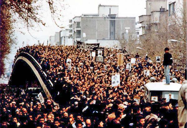 Массовые демонстрации в Тегеране