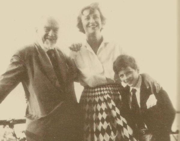 Гарри Сент-Джон Бриджер Филби с женой и сыном Кимом