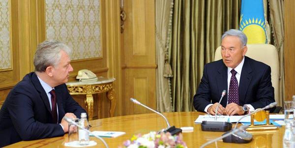 Нурсултан Назарбаев и Виктор Христенко