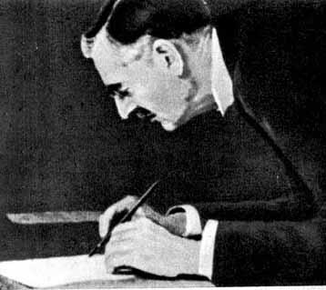 Чемберлен подписывает Мюнхенские соглашения