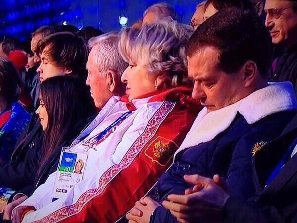 Дмирий Медведев на открытии олимпиады в Сочи