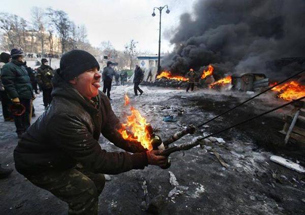 Киев, ул Грушевского. Февраль 2014