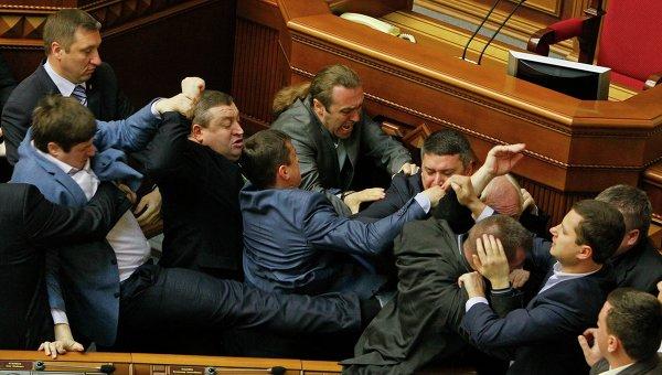 Драка в Верховной Раде после выступления коммуниста Симоненко 8 апреля 2014 года