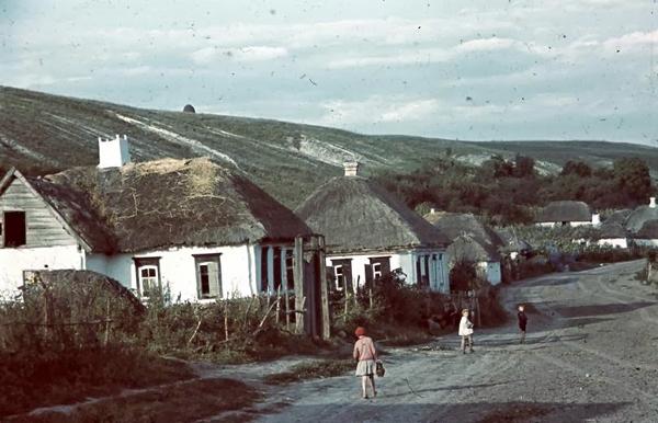 Украинский хутор 1942 года. Фотограф Tamas Conoco