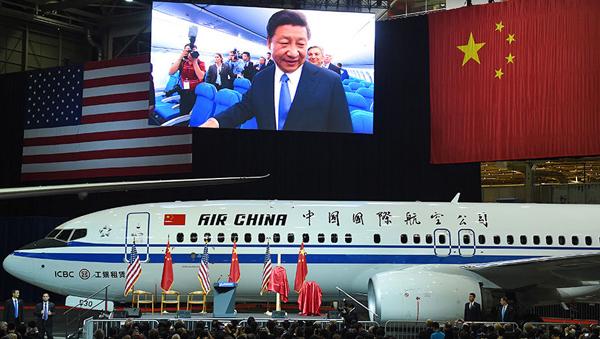 Председатель КНР Си Цзиньпин в ходе визита в США побывал на заводе авиастроительной корпорации Boeing