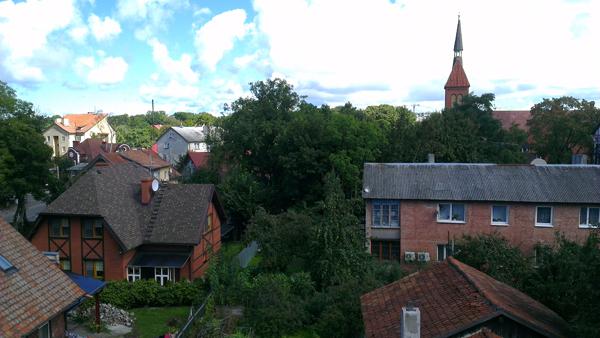 Вид на Зеленоградск со смотровой площадки водонапорной башни