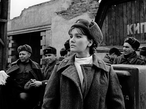 Кадр из фильма Поезд милосердия. 1964 год