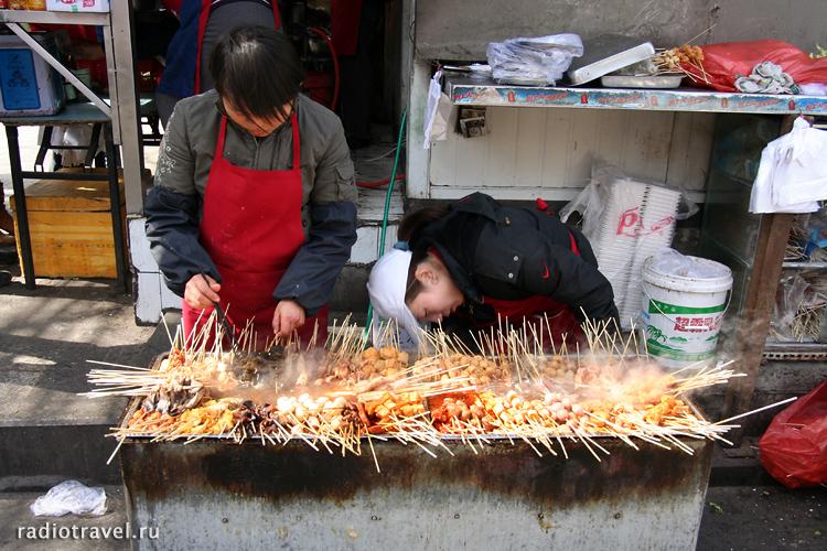 Ябау Лу, шашлычки, жизнь китайцев