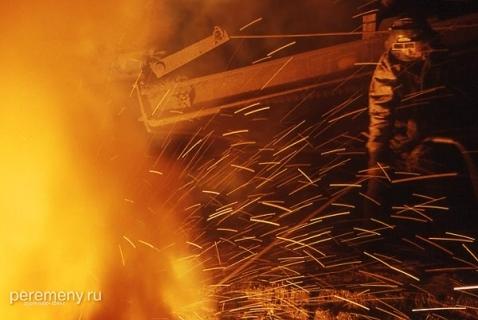 Металлургический завод на Урале. Фото: Эдуард Капров/Peremeny.Ru