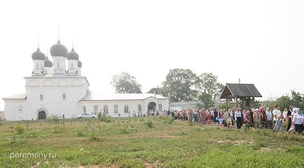 Крестный ход в Макарьевом монастыре на Унже