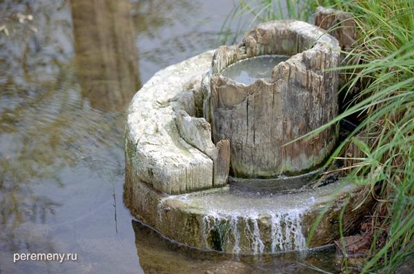 Колода для добычи рассола в реке Ковде на Варницах