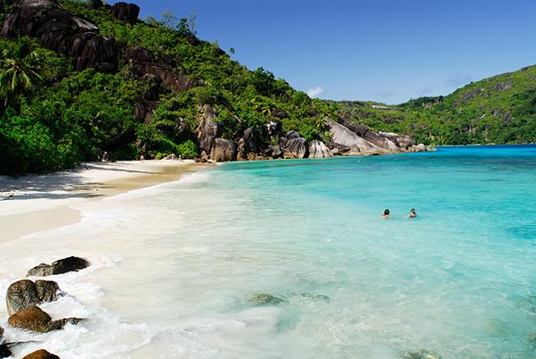 Anse Diri beach Mahe_Raymond Sahuquet