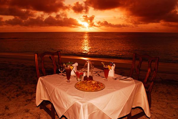 Set Table Denis Island_Raymond Sahuquet