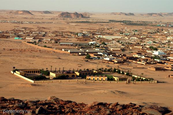 Этот прямоугольный оазис - luxury-отель Nubian Rest House