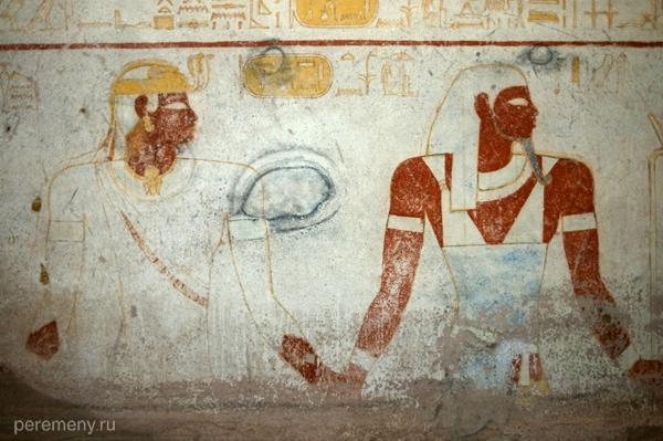 Росписи суданских гробниц узнаваемы